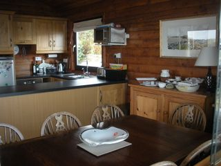 Mizen Head bungalow photo - The dining table comfortably seats 8