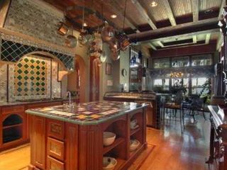 Tampa house photo - Villa Del Lago Kitchen with Viking Double oven and Viking dishwasher