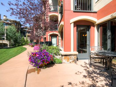 Wake up in Vail with a short stroll to Vail Village instead of that nasty drive!