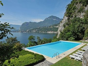 Menaggio apartment rental - The swimming pool at Gaeta Residence