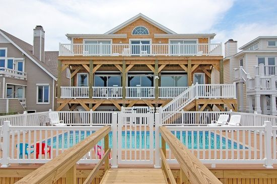 Ocean front home huge with pool and elevator for Beach house elevator
