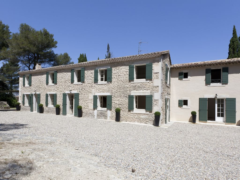 Country house mas with large garden homeaway for Provence home