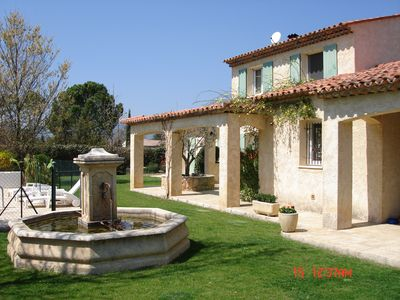 Villa 9-14 pers with swimming pool, garden where young children, teens and sports