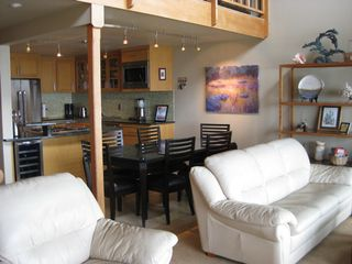 Lincoln City townhome photo - Family room, Gourmet kitchen, dining area