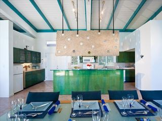 Providenciales - Provo villa photo - open plan allows time together