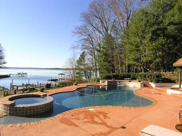 Main Channel Jackpot! Pool, Hot tub, outdoor entertainment fire pit&dock slips.