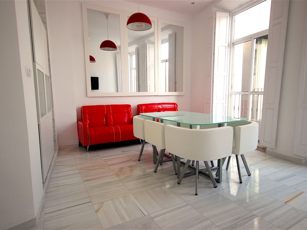 Big and spacious 4 bed malaga wonder appartement pour 6 for Beds 4 u malaga