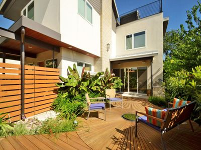 Perfect Location!! Walk To ACL, SXSW Festivities.  Perfect Central Austin home.