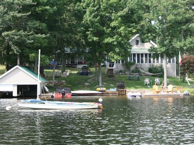 Superb Lake House For Your Family Vacation - Trout Lake Waterfront