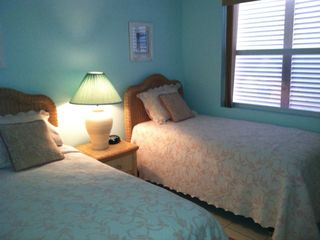 Treasure Cay condo photo - Serene aqua cozy bedroom