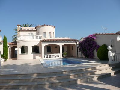 Beautiful villa on the canal with neat pisc not overlooked in Empuriabrava