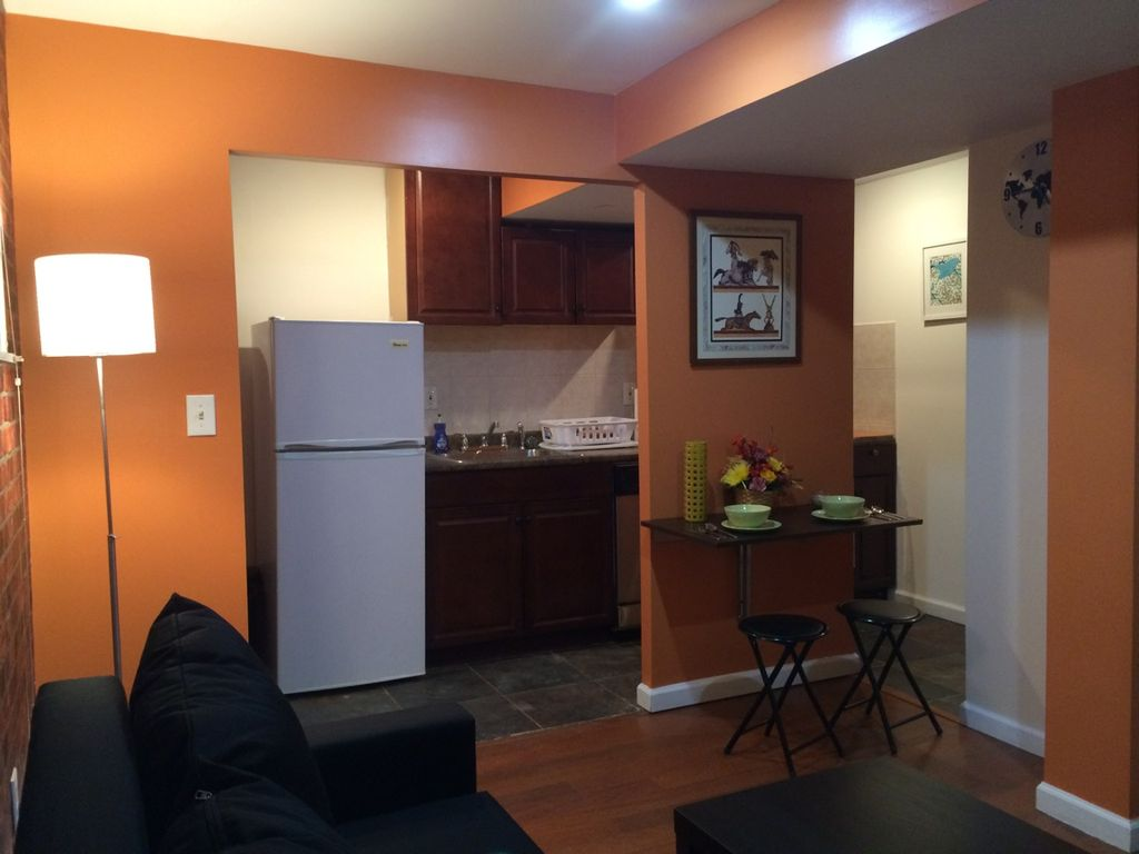separate small 1 bedroom apartment - 12 min - vrbo