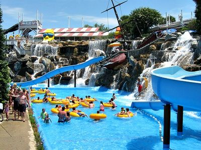 Big Kahunas Water Park