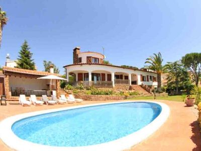 Beautiful Holiday Villa With Large Garden And Private Pool In Calonge