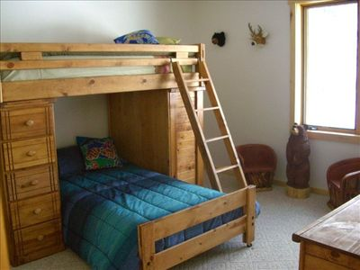 Durango house rental - Guest bedroom - bunk beds