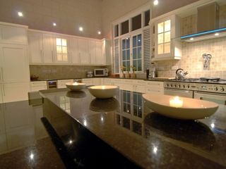 Lance Aux Epines villa photo - Kitchen at night