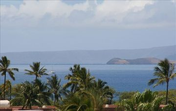 Ocean and outer islands: another lanai view