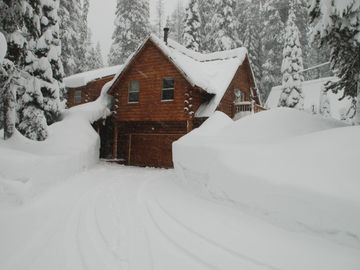 Soda Springs cabin rental - Exterior Winter