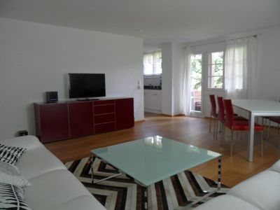 Renovated and three-bed room flat with highly modern furnishings