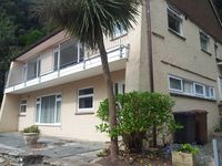 Fabulous sea views, ample parking and gardens, 2mins walk from South Sands beach