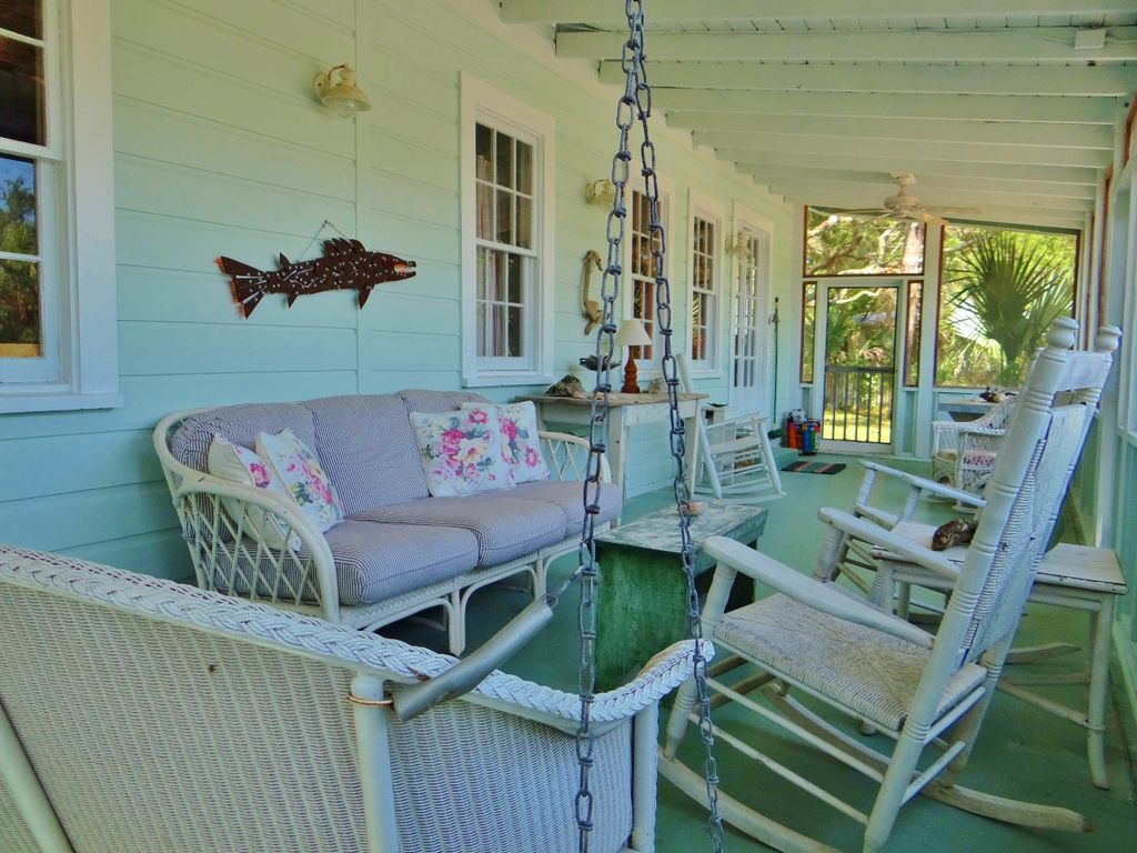 Historic and Picturesque Vintage Cottage Rental