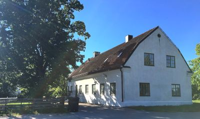 Apartment in beautiful building from 1824th Close to swimming and 20 min to Visby