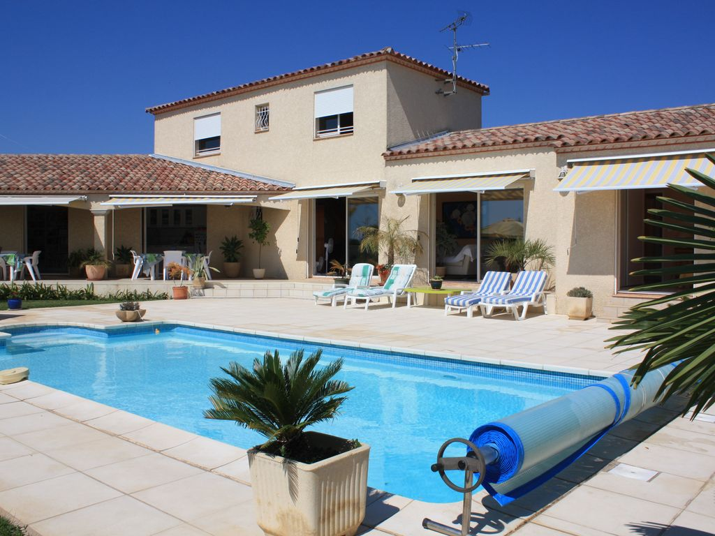 Check for Photo maison avec piscine