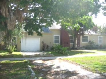 Longboat Key house rental - Main View From Street