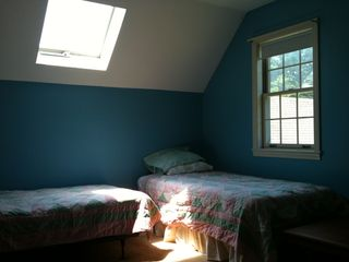 Middletown Springs house photo - Upstairs bedroom - 3 twins