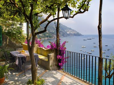 Villa in Positano situated in a panoramic position with terraces and sea view
