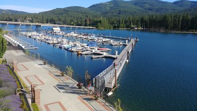 Luxury Condo on the Spokane River, 6 miles from Lake Coeur d'Alene