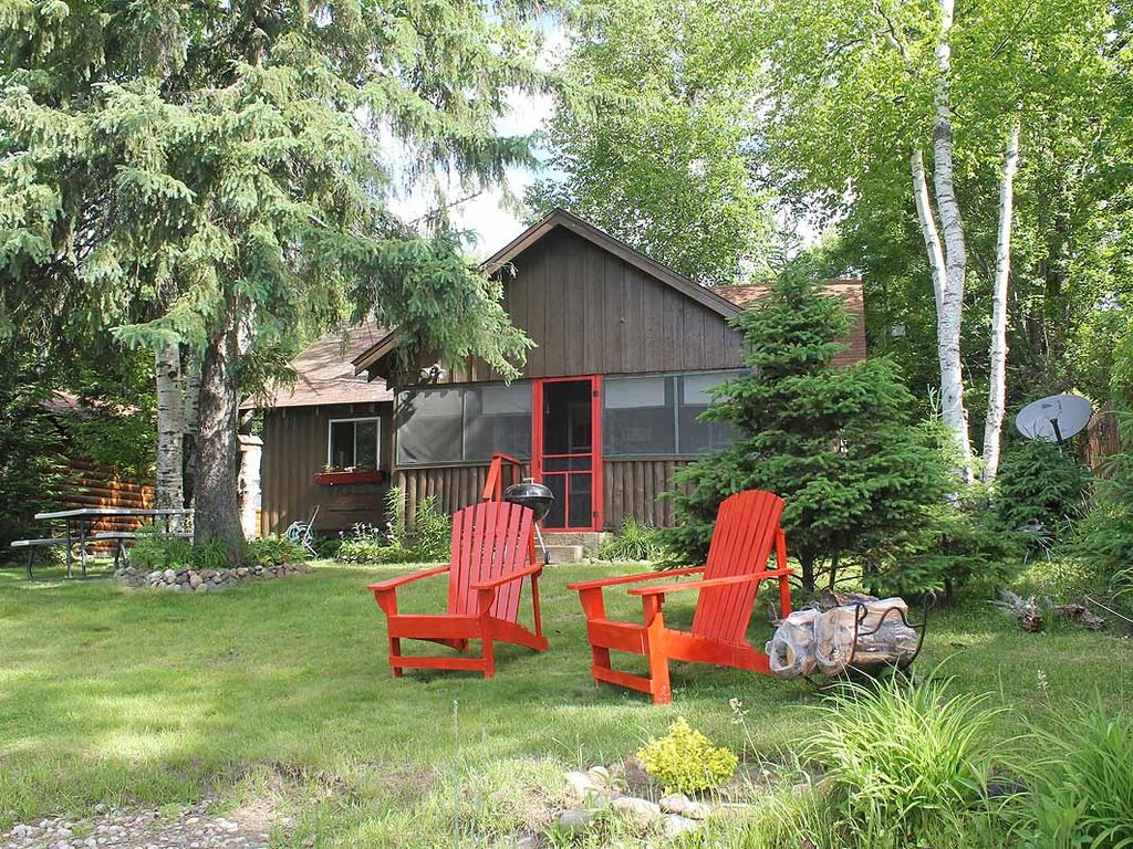Pinewood at pike bay vrbo for Vrbo wisconsin cabins