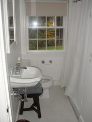 Woodstock house photo - En-suite bathroom for upstairs bedroom with trundle bed