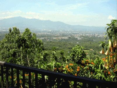 Centrally Located Near San Jose Airport  and Tourist Areas