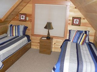McKenzie Bridge cabin photo - Extra space with 2 single beds