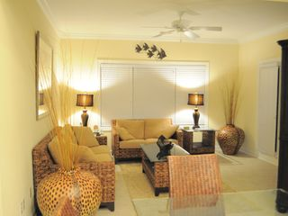 Ocean Isle Beach condo photo - Family Room with TV/DVD and Wii Nintendo Game System