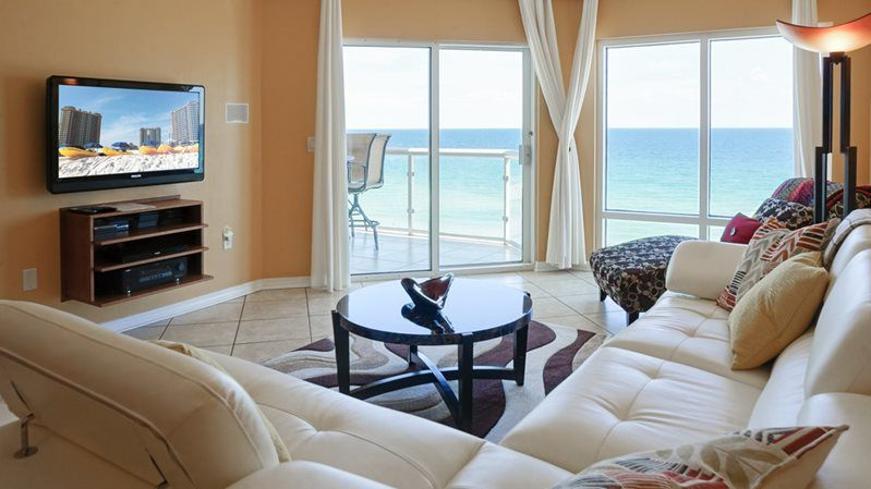 Gulf-Front 2 bedroom/2 bath condo on Pensacola Beach. Free WiFi.Swimming Pool