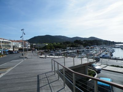At 50 meters from the port of Carqueiranne and quiet
