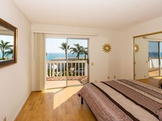 Malibu villa photo - 2nd Bedroom with Queen Bed, Balcony and 180 degree Ocean View
