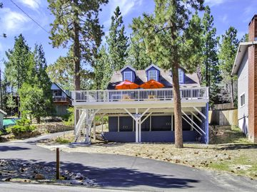 Big Bear Lake house rental - 3 Bedrooms, 2 Bathrooms, Sleeping Loft, Familyroom, Huge Deck & Lake Views!