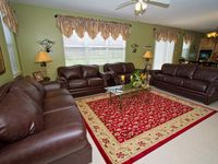 $999/wk in Fall, 7 bdrm, 3400sf, Oversize Pool/Spa, 7 Miles to Disney, Wifi