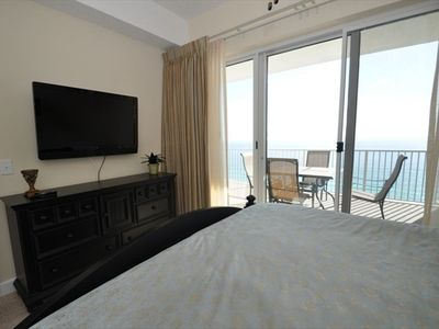 King Size Master Suite With HD Flat Screen TV and Gulf Views