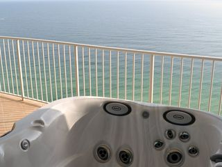 Hot tub overlooking the Gulf
