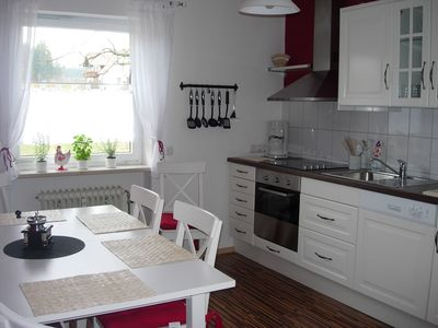 Kitchen with dining area for 6 persons