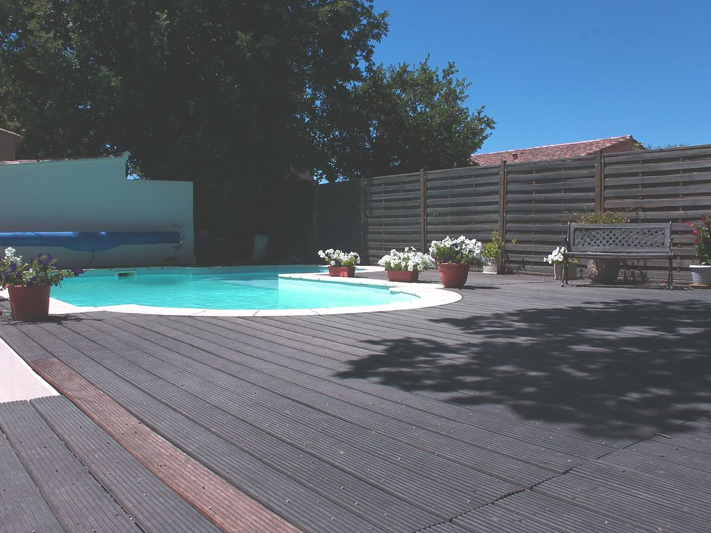 Pertuis luberon vaucluse maison individuelle 4 pers for Piscine individuelle