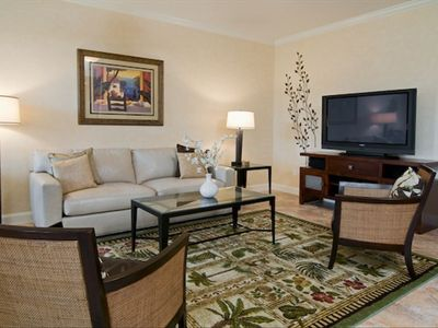 Beautiful appointed Living Room with Big Flat Screen TV!