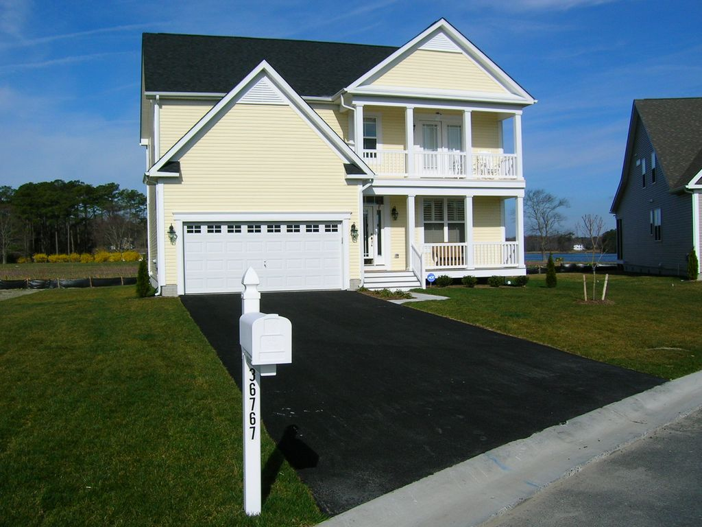 catholic singles in fenwick island Taft avenue 38813 - cape windsor 38813  cape windsor is a community of single family homes located off lighthouse road, just a short drive to fenwick island and.