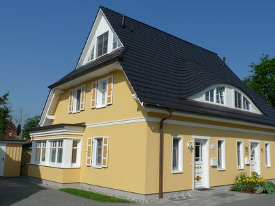 Exquisite detached house for 5 people. u with fireplace. Sauna near the beach