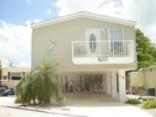 Beautiful sparkling clean non-waterfront home in a 5 star resort on Cudjoe Key!