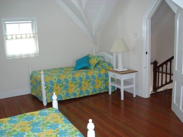 2nd Bedroom (3 beds) Upper Camelot